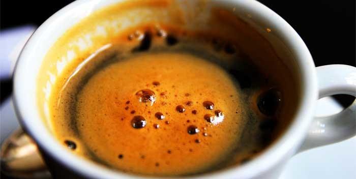 Come fare la schiuma nel caffè