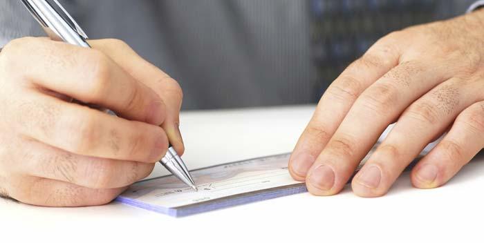 Come si compila un assegno