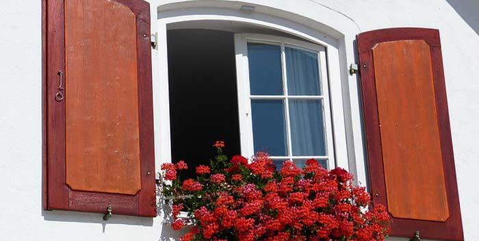 Rinnovare le finestre di legno - Finestre in legno gia pronte ...