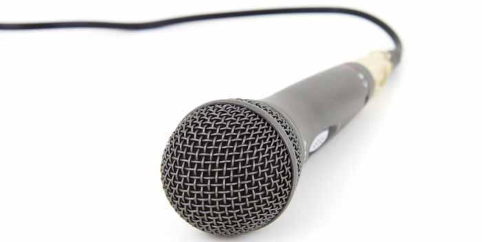 Fare il karaoke con il computer