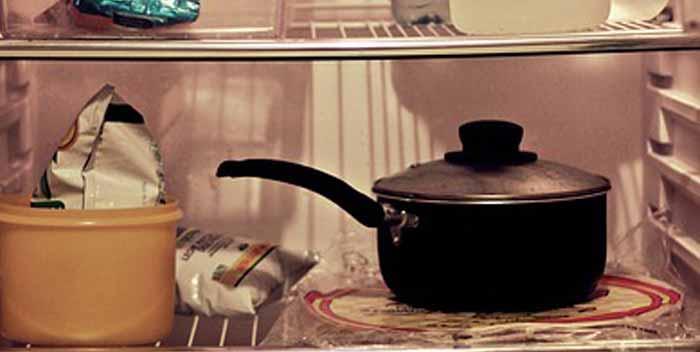 Eliminare la puzza dal frigorifero