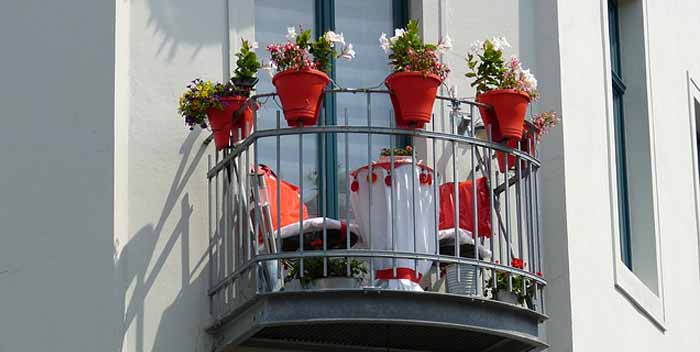 Scegliere le tende da balcone