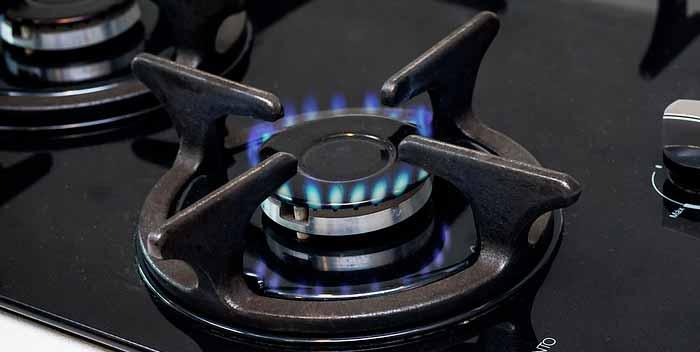 Sostituire il tubo del gas